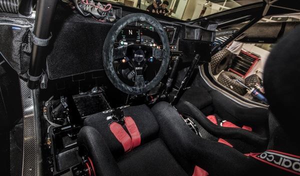 Peugeot-2008-DKR-Dakar-2015-interior