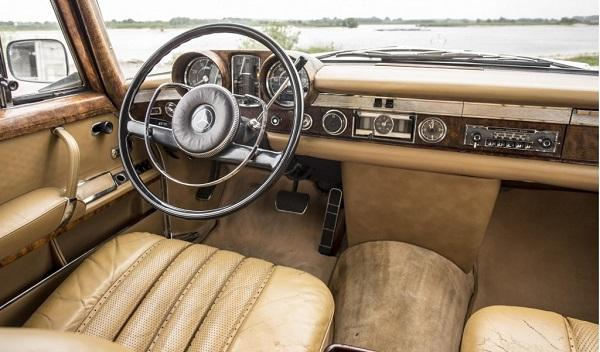 Mercedes 600 Pullman Mao Tse-Tun interior