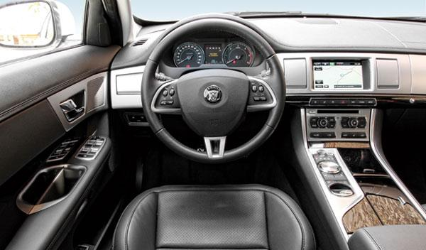 Interior del Jaguar XF 3.0D S 2014