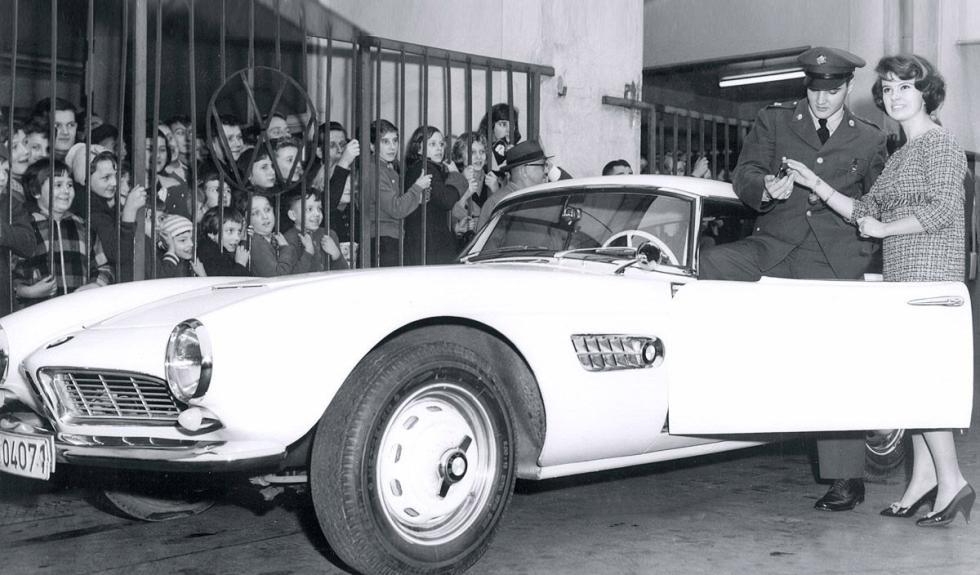 BMW 507 de Elvis Presley entrega llaves