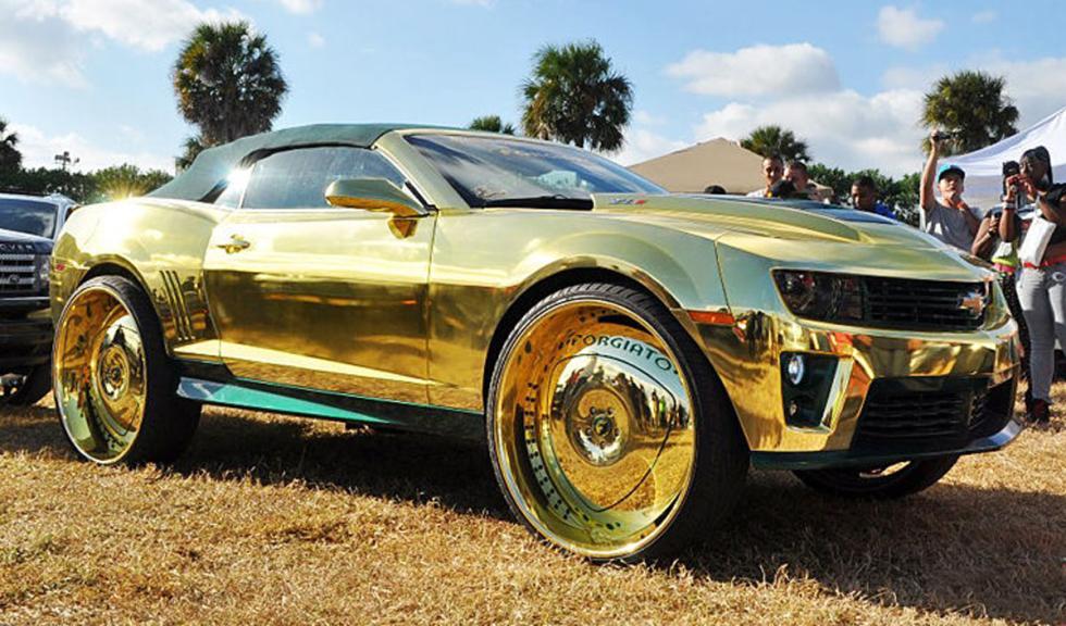 Chvrolet Camaro ZL1 bañado en oro