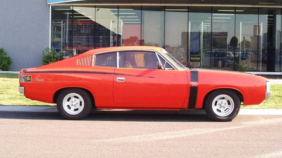 Chrysler VH Valiant Charger RT HEMI Six-Pack