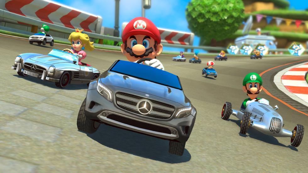 Tres Mercedes para Mario Kart