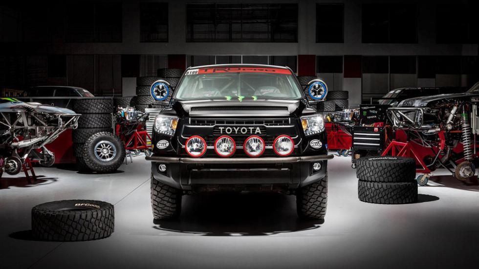 Toyota Tundra TRD Pro Baja 1000 morro