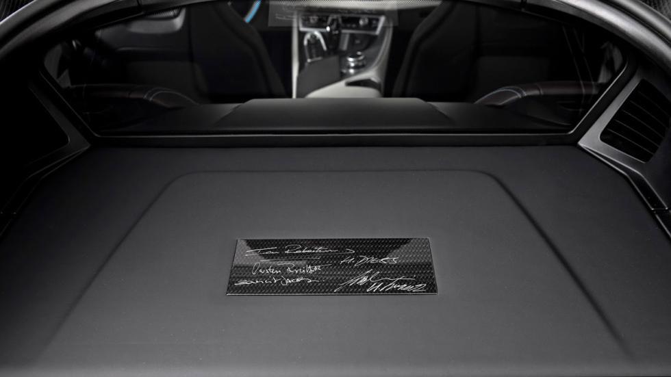 BMW i8 Concours d'Elegance Edition placa