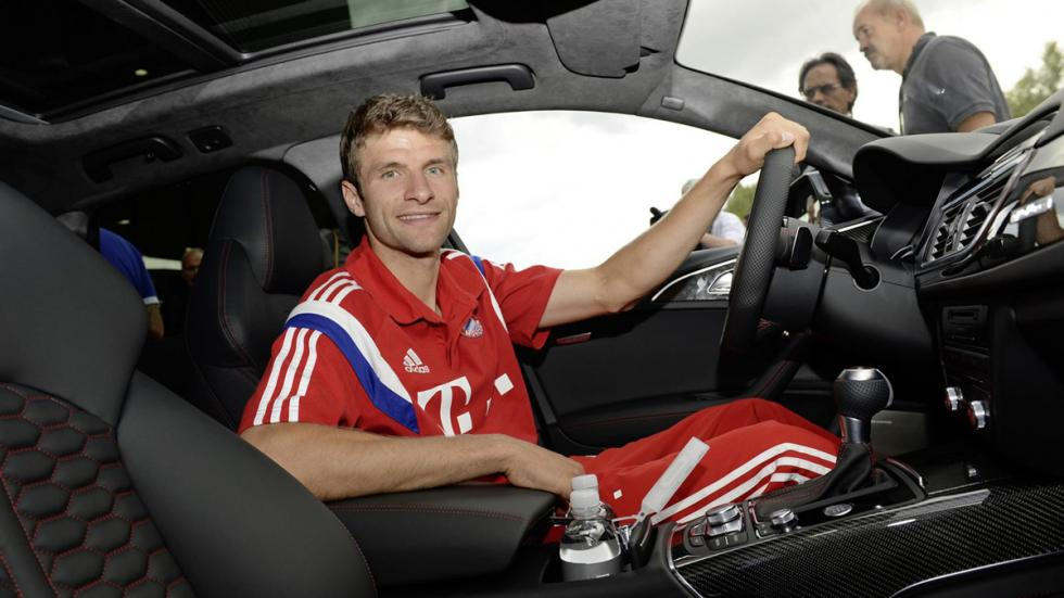 Jugadores Bayern de Múnich coches Audi Thomas Müller