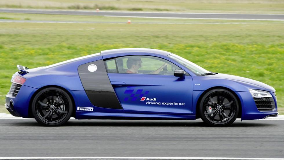 Jugadores Bayern de Múnich coches Audi R8