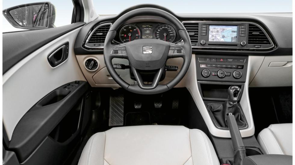 Seat León ST 4Drive 2.0 TDI 150 CV Style interior
