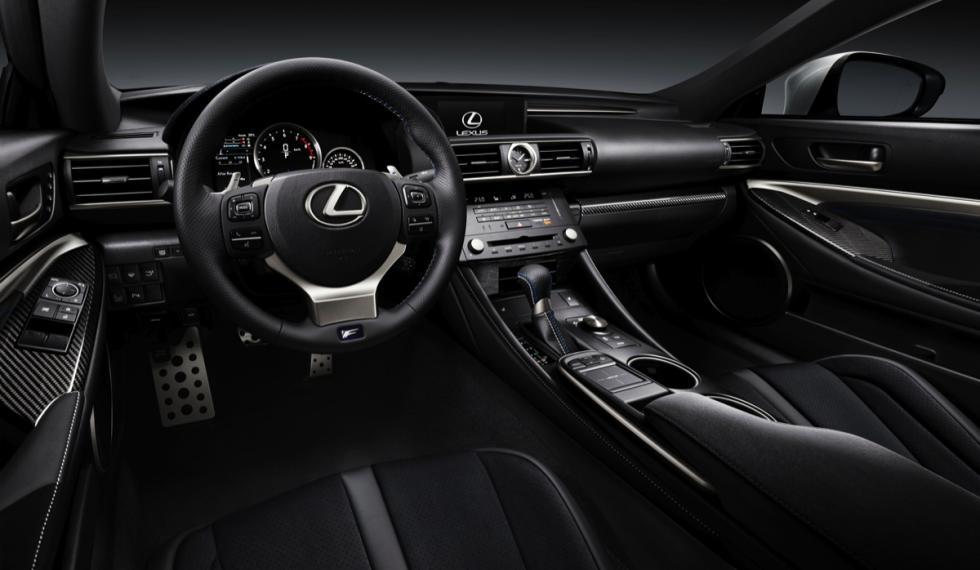Lexus RC F  salpicadero