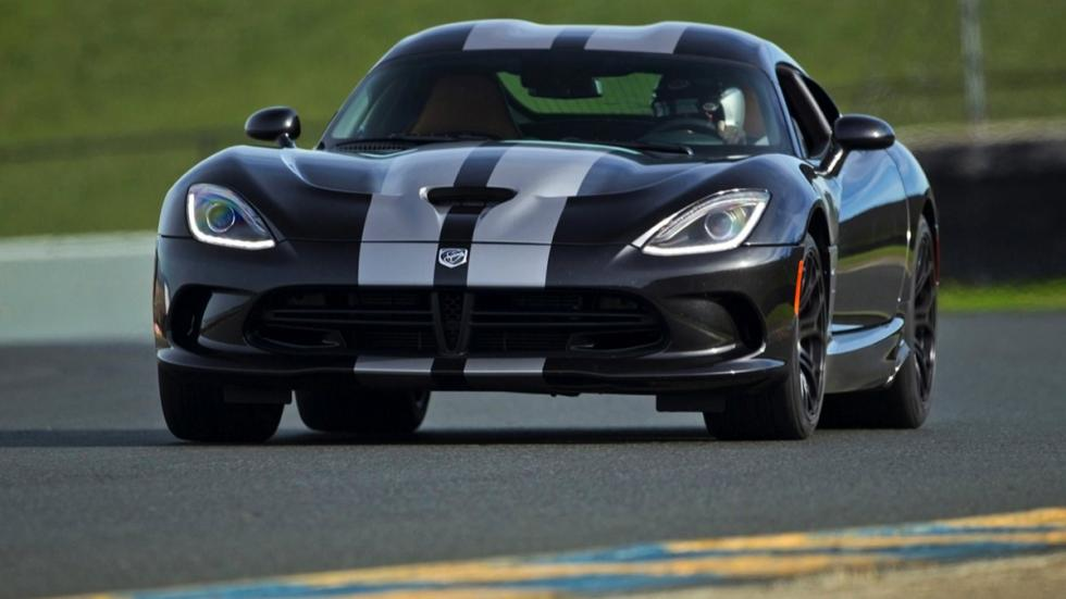 Frontal del Dodge Viper SRT 2015