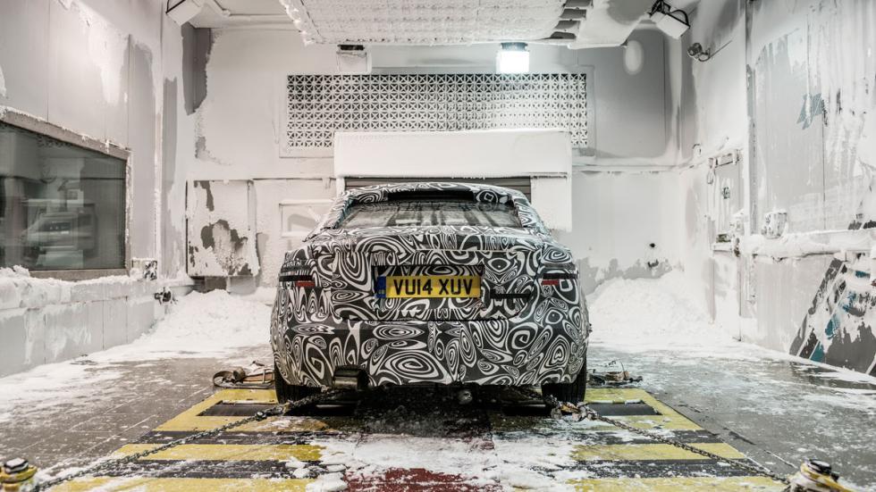 Jaguar XE desarrollo nieve