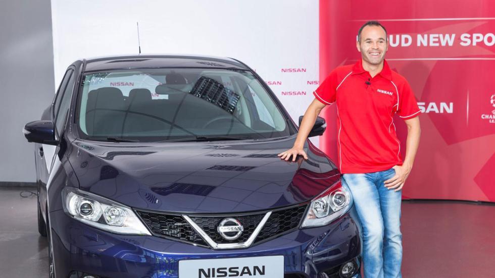Andrés Iniesta Nissan Pulsar