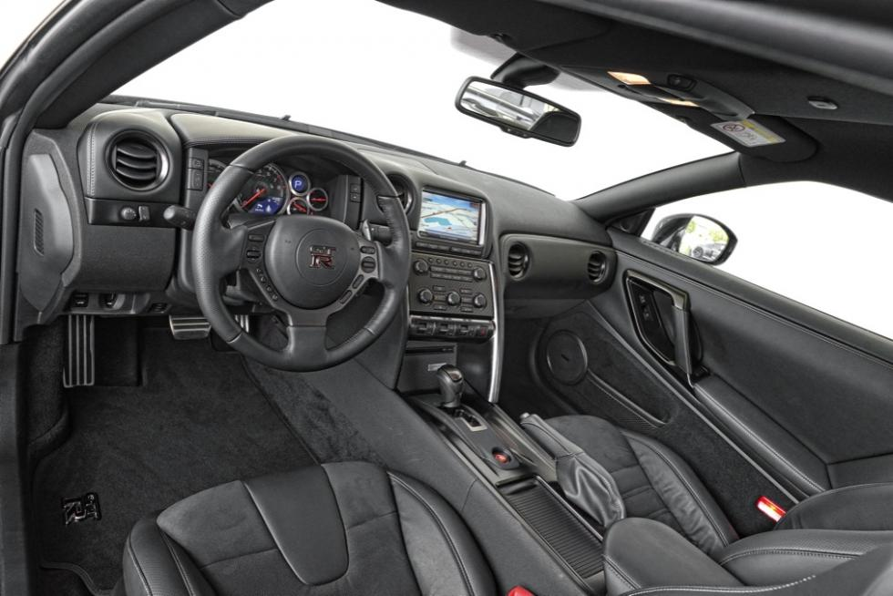 Comparativa McLaren 650 S/Nissan GT-R