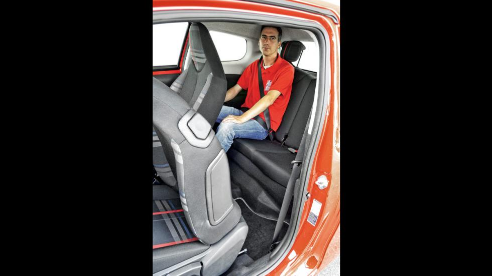 Peugeot 108 plazas traseras