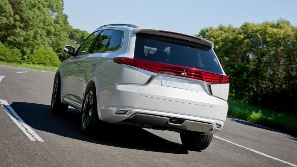 Mitsubishi Outlander Concept S trasera