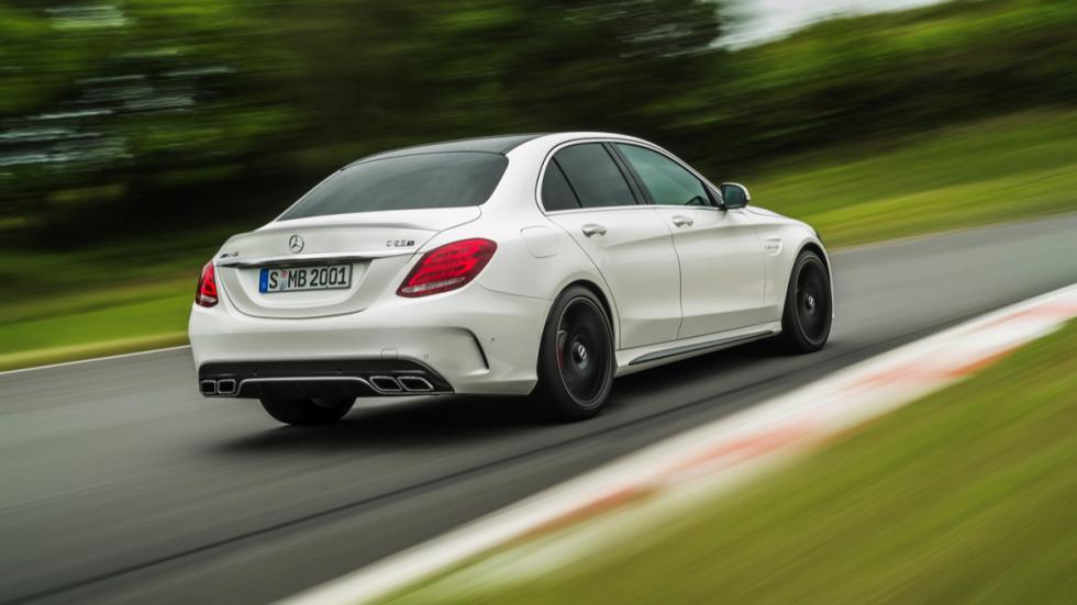 Nuevo Mercedes-AMG C63 2015 trasera