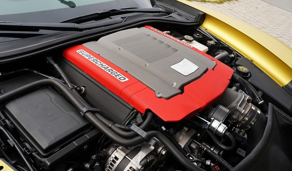 Chevrolet Corvette C7 Stingray de Geiger Cars motor