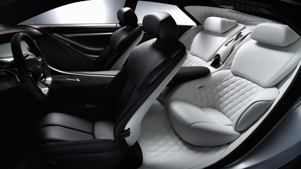 Infiniti Q80 interior