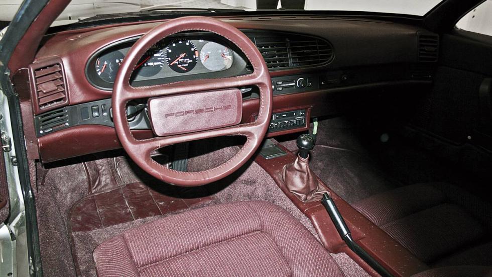 Interior del Seat Porsche 984