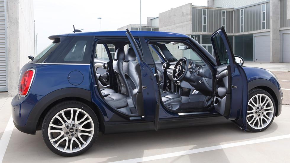 Mini 5 P con las puertas abiertas