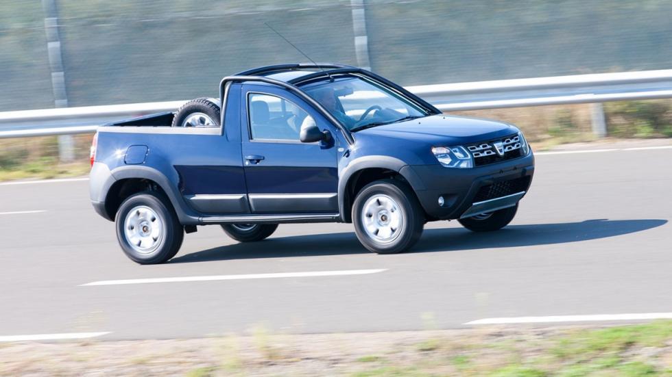 Dacia Duster Pick-Up en movimiento