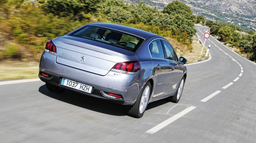 Peugeot 508 2.0 BlueHDI 150 CV trasera