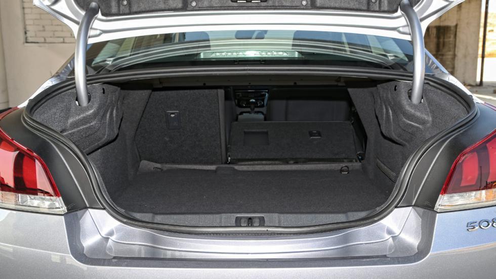 Peugeot 508 2.0 BlueHDI 150 CV maletero