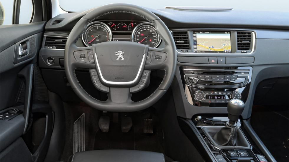 Peugeot 508 2.0 BlueHDI 150 CV interior