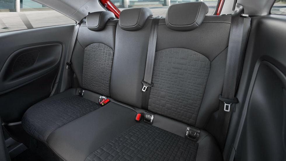 Opel Corsa 2015 OPC Line plazas traseras