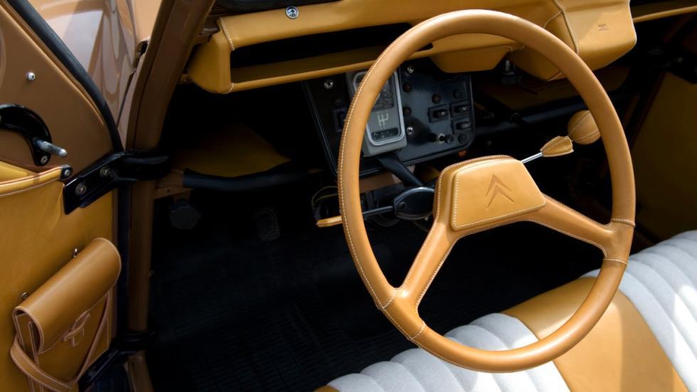 Citroën 2 CV por Hermés interior