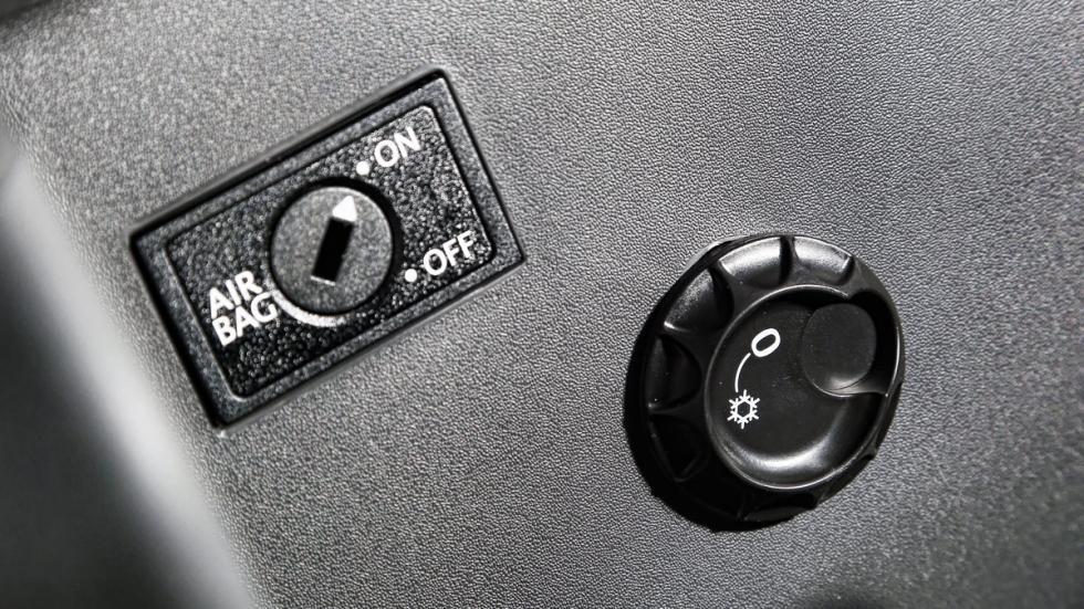 Prueba Volkswagen Touran 1.2 TSI Edition guantera