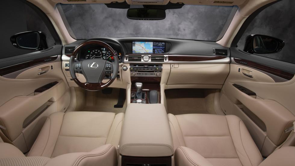 Lexus LS 460 interior