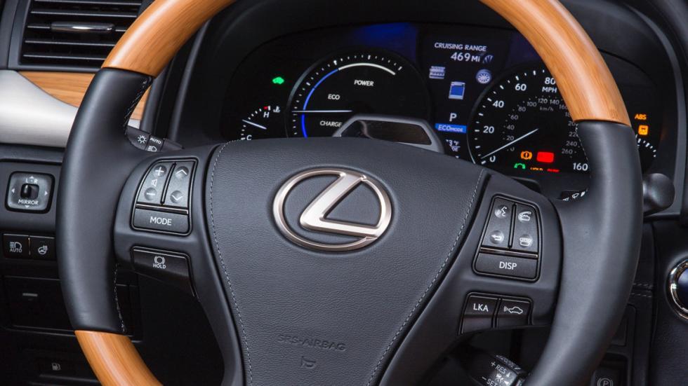 Lexus LS 600h volante