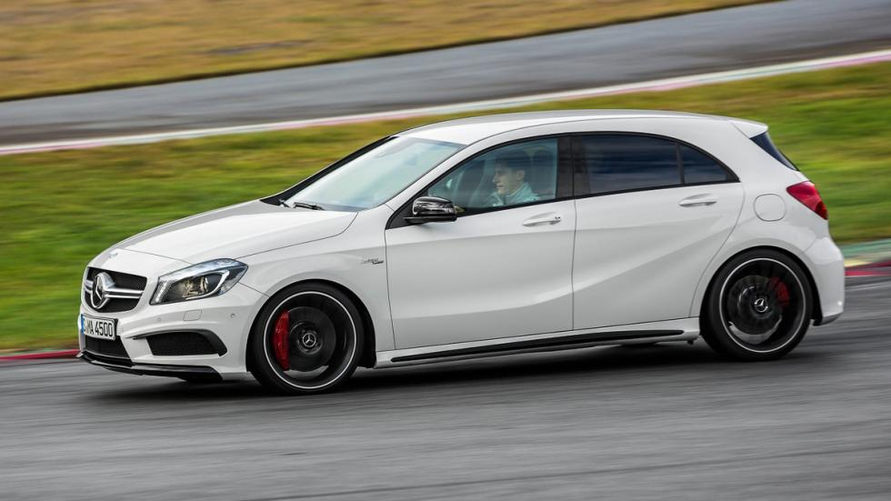 Cinco coches sorprenderan conduces Mercedes A45 AMG lateral