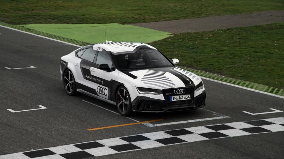 Audi RS7 circuito sin conductor pasada