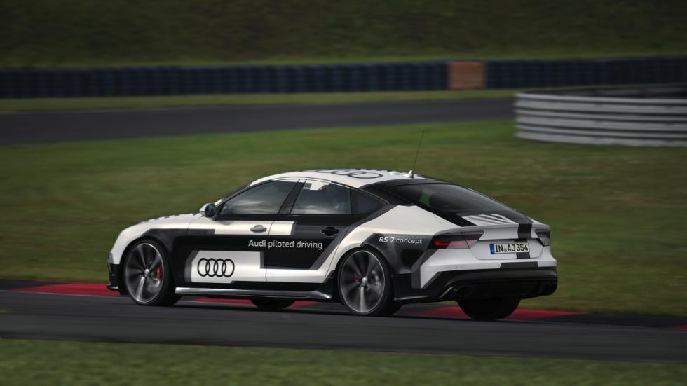 Audi RS7 circuito sin conductor zaga