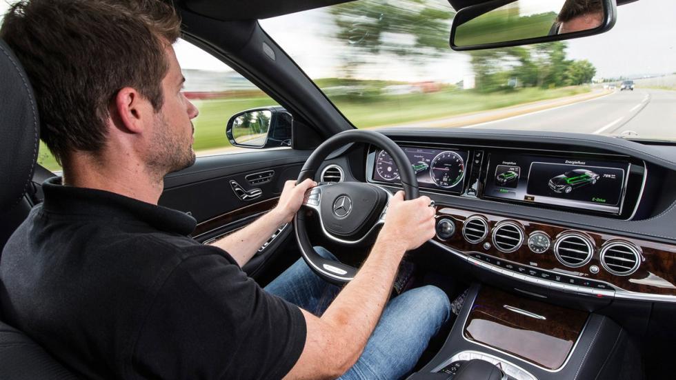cinco hibridos mas rapidos Mercedes S500 Plug-in Hybrid interior