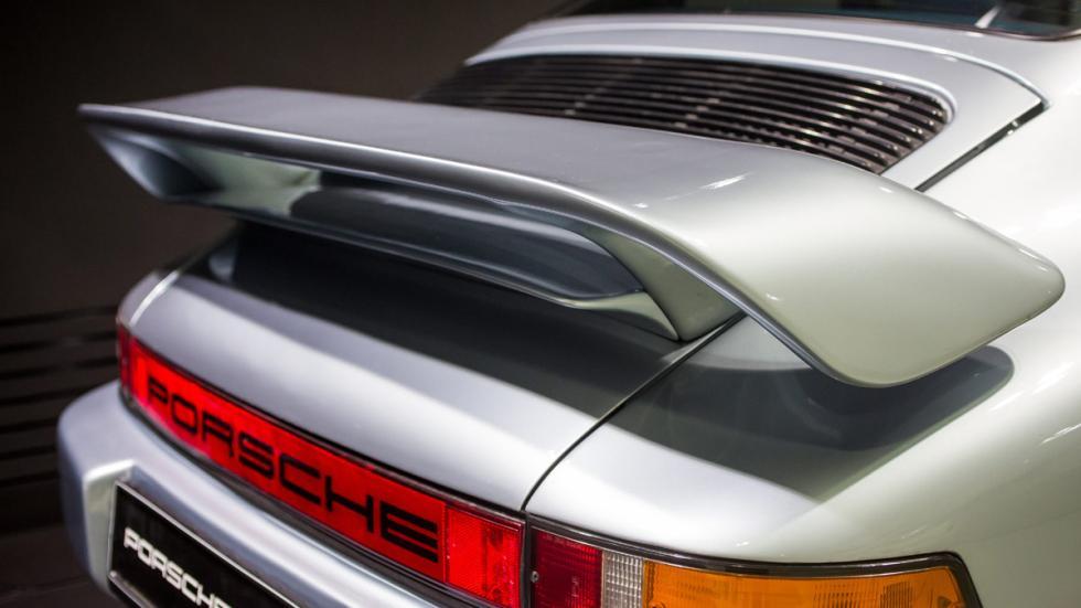 Porsche 911 Carrera 3.2 alerón