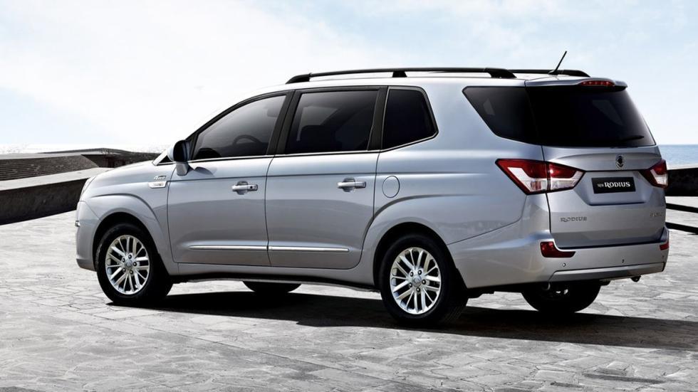coches recomendables feos SsangYong Rodius trasera