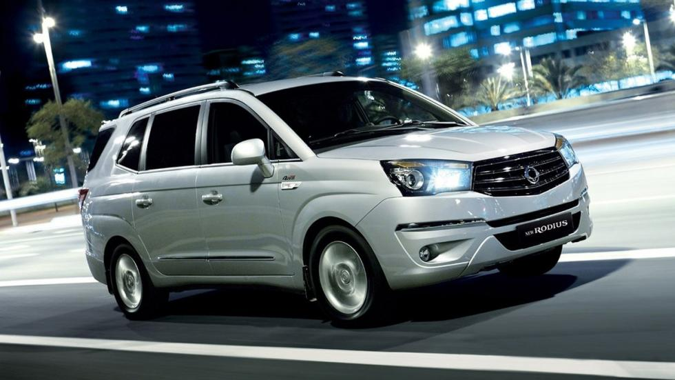 coches recomendables feos SsangYong Rodius frontal