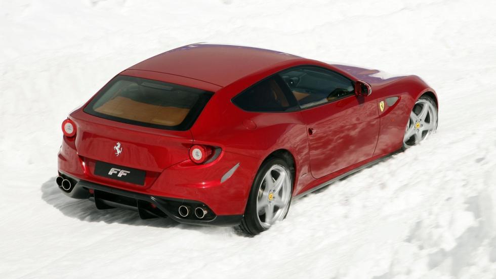 coches recomendables feos Ferrari FF tres cuartos