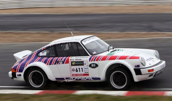 Walter Röhrl, al volante del Porsche 911 SC