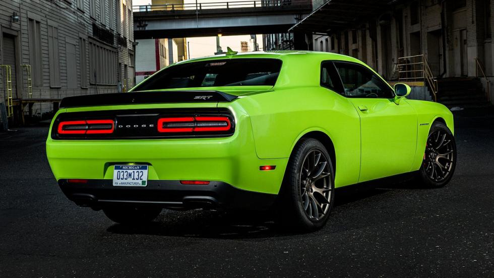 Cinco mejores muscle cars Dodge Challenger SRT Hellcat trasera