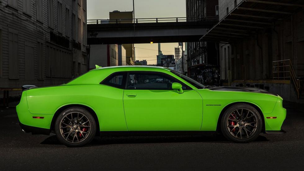 Cinco mejores muscle cars Dodge Challenger SRT Hellcat perfil