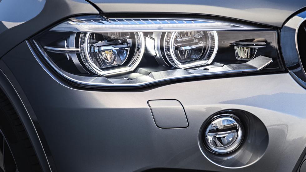 BMW X5 M faro delantero