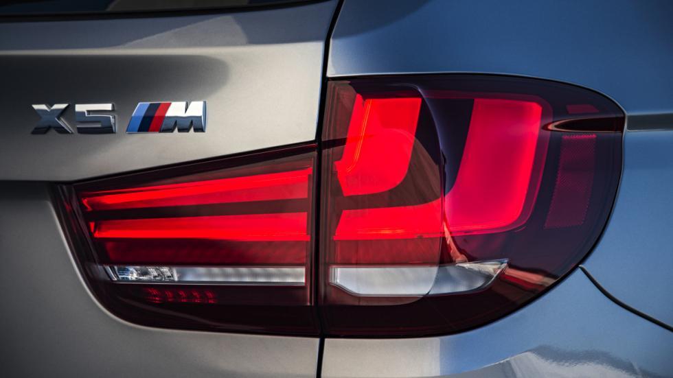 BMW X5 M faro trasero