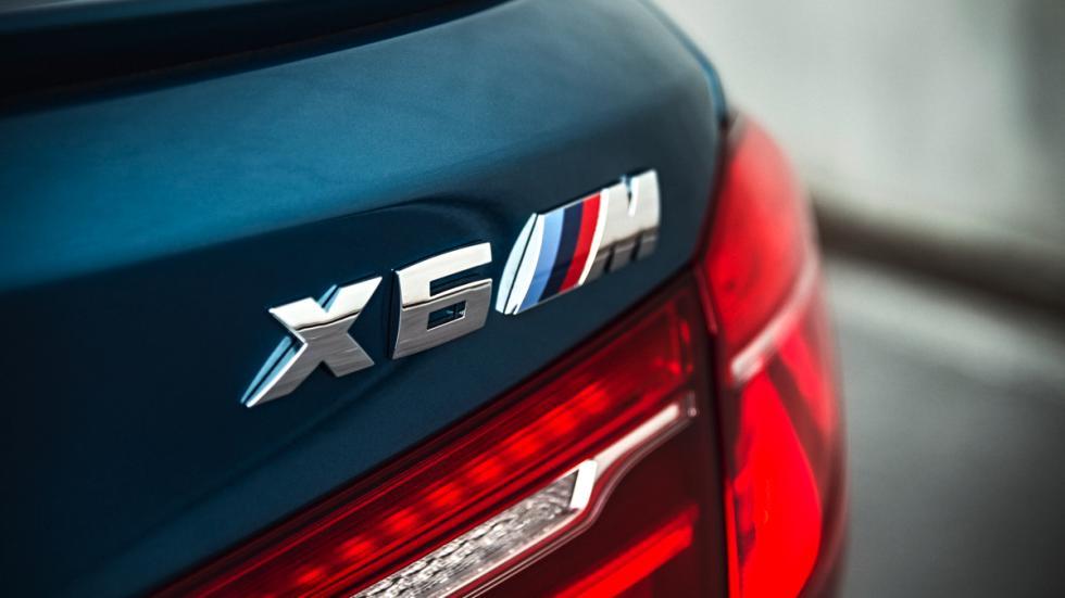 BMW X6 M faro trasero