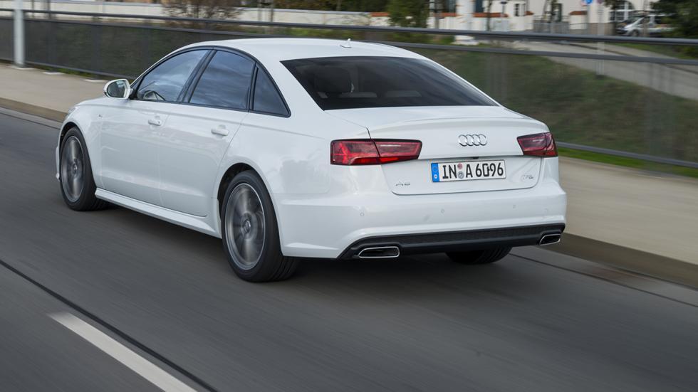 Audi A6 2015 berlina trasera