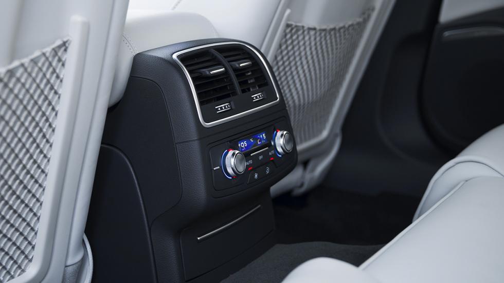 Audi A6 2015 berlina salida de aire traseras
