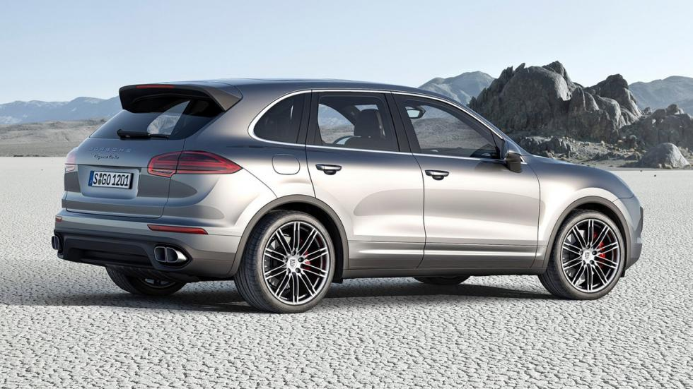 Mayores rivales nuevo BMW X5 M Porsche Cayenne Turbo lateral